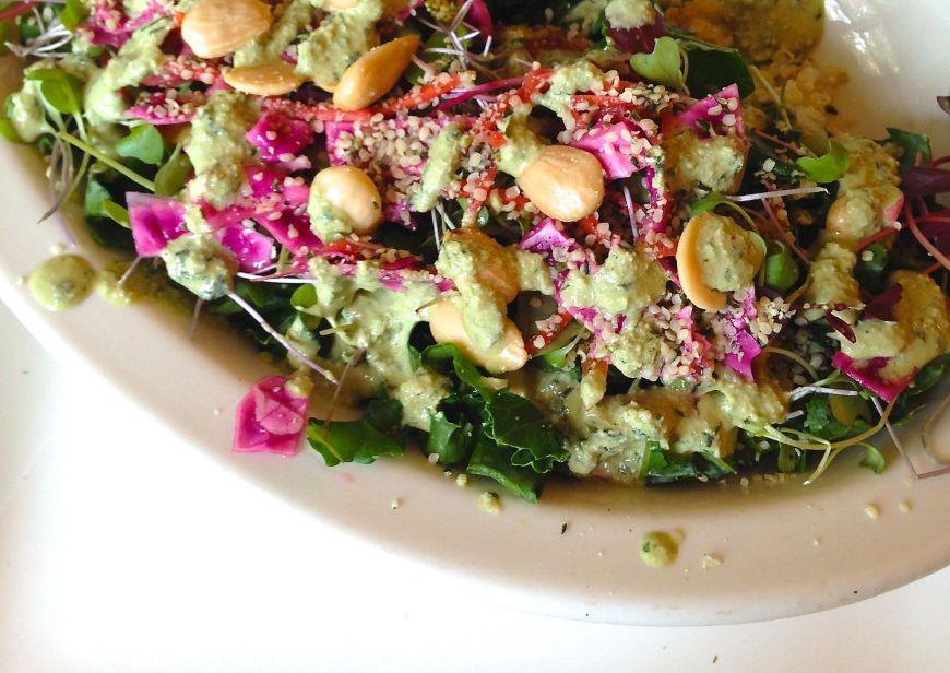 kale & quinoa bliss bowl