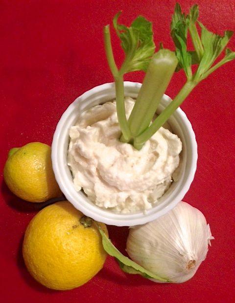 Lebanese Garlic Fluff (Toum)